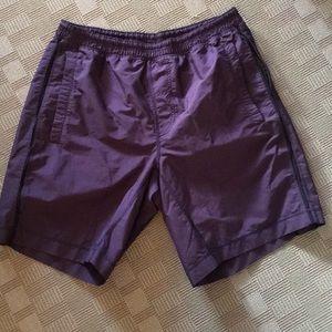 Lululemon pace breaker shorts large